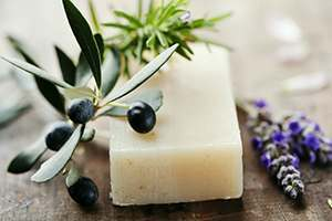 natural soap to treat yeast infection